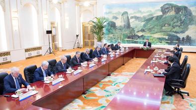 習近平集體會見上合組織成員國外長理事會會議外方代表團團長